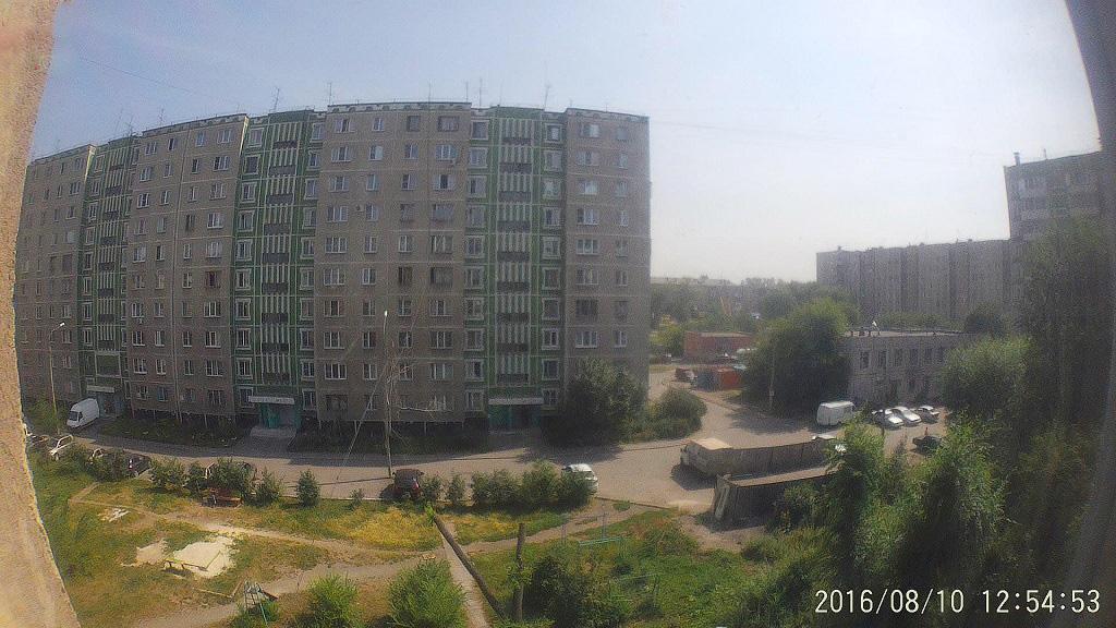 Фото из окна. День, ясная солнечная погода
