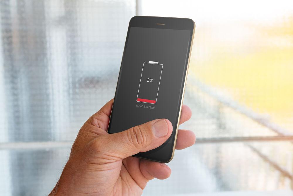 Раз в 3 месяца проводить полную разрядку мобильника